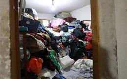 Tích trữ rác trong nhà suốt 15 năm, người phụ nữ bị hàng xóm kiện, chính quyền phải vào cuộc mới dọn được rác đi nơi khác