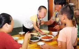 3 thói quen trên bàn ăn nói lên đứa trẻ sẽ khó thành công, hành vi cuối cùng nghiêm trọng nhất, bố mẹ cần sớm giúp con điều chỉnh