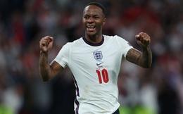 """Điều gì giúp Sterling từ """"kẻ bị ruồng bỏ"""" trở thành niềm hi vọng số một của đội tuyển Anh?"""