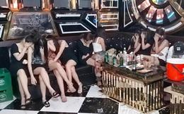 Dàn chân dài cùng hàng chục khách nam tụ tập hát karaoke ở Hải Dương bất chấp lệnh cấm