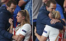 Vợ khóc rưng rức, Harry Kane lên khán đài an ủi