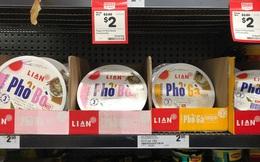 """Công ty Việt bán phở ăn liền tại siêu thị Úc nhưng khiến """"vua phở"""" Lý Quý Trung nhầm tưởng sản phẩm Hàn Quốc: Thương hiệu lạ hoắc, giá đắt gấp 3!"""