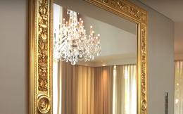 Cận cảnh chiếc gương 2 tỷ trong thiết kế nội thất của Thái Công: Mạ vàng từ đầu đến đuôi, chạm khắc tinh xảo
