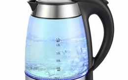 """Cứ tưởng đun nước đổ đầy ấm sẽ tiết kiệm điện ai ngờ nhiều """"hiểm họa"""""""
