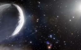 Đến gần chúng ta, siêu sao chổi to bằng 1000 lần đồng loại sống dậy