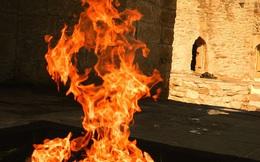 """Azerbaijan – Vùng đất của """"thần lửa"""" nơi có ngọn lửa bất diệt cháy sáng hàng nghìn năm"""