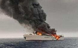 NÓNG: Tàu chiến của Italia bất ngờ chìm trong lửa khói tại đông Địa Trung Hải