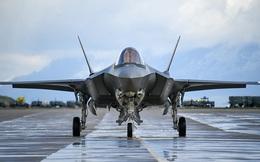 """Tiêm kích tàng hình F-35: Từ một sản phẩm """"vô dụng"""" đến máy bay đắt khách nhất"""