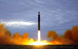 """Chạy đua vũ trang ở châu Á """"nóng rẫy"""": Một nước sở hữu tên lửa khiến Trung Quốc phải sợ!"""