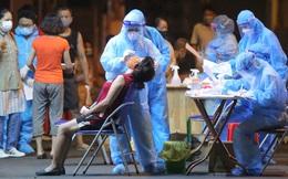 Hà Nội: Phong toả, lấy mẫu xét nghiệm xuyên đêm cho người dân sau 2 ca dương tính SARS-CoV-2 mới tại Tây Hồ