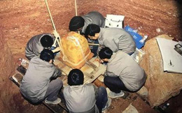 77 năm sau sự sụp đổ của chùa Lôi Phong, chuyên gia tìm thấy một căn phòng bí mật dưới ngọn tháp: Bí ẩn ngàn năm hé lộ!
