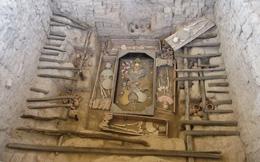 Lăng mộ quý giá trong thung lũng được đội khảo cổ bảo vệ bằng súng: Quy mô không kém gì lăng Tần Thủy Hoàng!