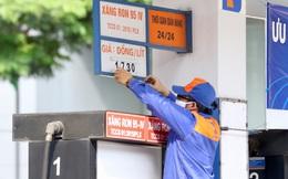 Sau bao ngày mong đợi, giá xăng sẽ giảm vào ngày mai?