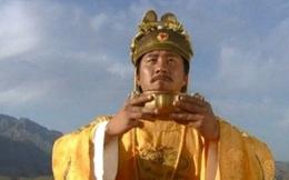 """Chu Nguyên Chương vào chùa bái Phật, hỏi: """"Ta có cần phải quỳ không?"""", câu trả lời của phương trượng cứu cả chùa thoát nạn"""
