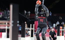 Toyota ra mắt robot bóng rổ tại Olympic Tokyo, ném 3 điểm trúng liên tục như ''hack'' khiến siêu sao bóng rổ cũng phải chịu thua