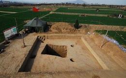 Để nhanh thành triệu phú, cả ngôi làng cùng tham gia trộm hàng trăm ngôi mộ và bán đi vô số cổ vật niên đại 3.000 năm: Kết cục cay đắng!