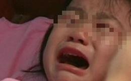 Con gái 5 tuổi thường xuyên quấy khóc giữa đêm, người mẹ vạch áo con mới phát hiện sự thật
