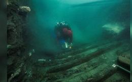 """Tìm thấy """"tàu ma"""" 2.200 năm tuổi nguyên vẹn ở thành phố chìm dưới nước"""