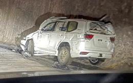 Chưa kịp đến tay khách hàng, lô xe Toyota Land Cruiser 2022 tan tành vì gặp nạn trên đường vận chuyển
