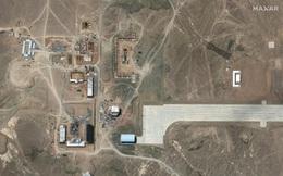 Ảnh chụp từ vệ tinh cho thấy Trung Quốc mở rộng sân bay bí ẩn trong sa mạc