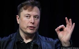 Elon Musk liên tục 'nổ' về chế độ tự lái, khách hàng liền đổi tên xe Tesla thành Hai Tuần - dân mạng cười nắc nẻ