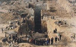 Khai quật lăng mộ trên ngọn đồi trọc cỏ, đội khảo cổ lo sợ: Hãy cử người tới bảo vệ chúng tôi!