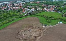 Đào bới đồng bắp, phát hiện nhà thờ cổ lộng lẫy và 70 ngôi mộ ngàn năm