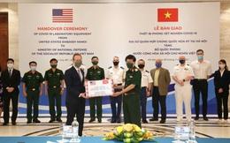 Quân đội Hoa Kỳ hỗ trợ thiết bị xét nghiệm COVID-19 cho Bộ Quốc phòng Việt Nam