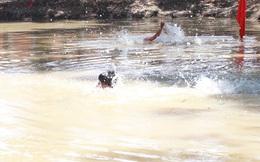 Đi bắt ốc dưới kênh, con gái cùng mẹ tử vong thương tâm ở Sài Gòn