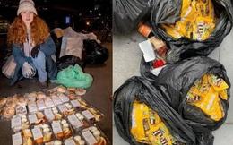 Cựu nhân viên ngân hàng nổi tiếng với việc bới rác để ăn