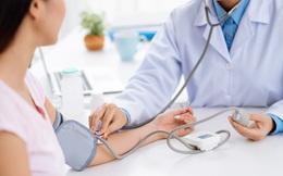 Cấp cứu vì sử dụng lại đơn thuốc cũ, uống thuốc hạ huyết áp nhanh