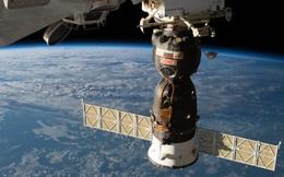 Báo Nga đổ tội cho phi hành gia Mỹ cố tình chọc thủng tàu vũ trụ Soyuz để được cho về Trái đất sớm