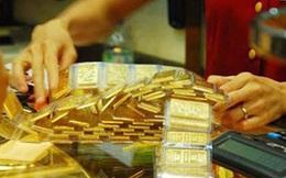 Giá vàng bất ngờ tăng mạnh, rủi ro rình rập