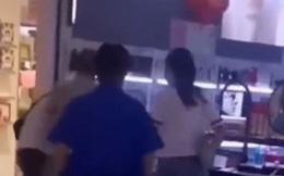 Chồng bắt gặp vợ trong trung tâm thương mại, nhìn người đi cùng liền nổi cơn tam bành