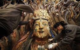 Sửa tượng Phật Quan Âm nghìn tay 800 năm tuổi, đoàn công tác kinh ngạc phát hiện không gian bí mật bên trong