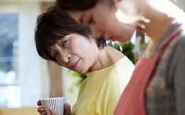 Không muốn mẹ chồng chăm sóc trong lúc ở cữ, con dâu bỏ ra 90 triệu đồng kèm 1 tuyên bố khiến cả gia đình căng thẳng