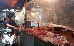 Hà Nội: Tôm, thịt lợn giá rẻ bất ngờ, rẻ hơn trước giãn cách, chợ đầy ắp tươi ngon