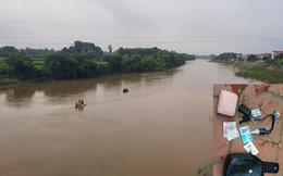 Thái Nguyên: Nữ công nhân 22 tuổi bỏ lại xe máy, tư trang trên cầu rồi nhảy xuống sông