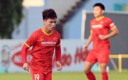 Tân binh của tuyển Việt Nam tập trở lại với đồng đội; Thầy Park đón tin vui từ Quang Hải