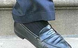 Vị tỷ phú chỉ dùng 2 đôi giày trong suốt một thập kỷ khiến nhiều người Việt phải nhìn lại tủ giày đầy ú ụ của mình và tự xấu hổ vì quá hoang phí