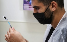 Israel: Liều vaccine COVID-19 thứ ba cung cấp khả năng bảo vệ cao gấp 4-6 lần