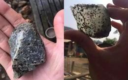 """Cầm viên đá nhỏ về nhà, người đàn ông ngỡ ngàng khi chuyên gia hết lời chúc mừng: """"Ông trúng lớn rồi!"""""""