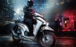"""Honda SH350i ra mắt, rẻ hơn gần một nửa, """"kèo thơm"""" khiến Vespa GTS 300 đau đầu"""