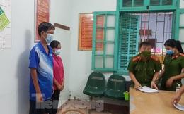 Bắt tạm giam 2 cán bộ y tế nhận hối lộ để cho hàng trăm công nhân 'thông chốt'