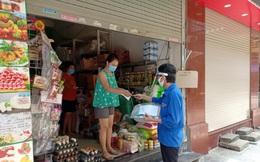 """Những """"shipper áo xanh"""" đi chợ giúp dân mùa dịch"""