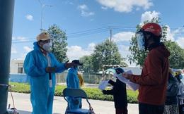 """CLIP: Người đi đường """"lý sự"""" với tổ công tác ở cửa ngõ TP HCM"""
