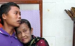 """Khó tin trước cuộc sống hôn nhân của cặp đôi bà 71 tuổi cháu 16 tuổi, nhiều lần nhốt vợ vì quá """"quyến rũ"""""""