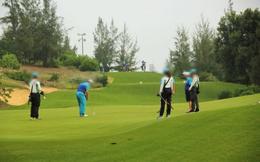 Tạm đình chỉ 15 ngày Phó Cục trưởng Cục Thuế tỉnh chơi golf giữa mùa dịch để kiểm điểm trách nhiệm
