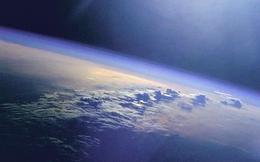 """Sốc: Trái Đất đang quay chậm lại vì Mặt trăng """"bỏ chạy"""""""