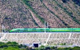 Trung Quốc dùng tàu cao tốc đưa binh lính đến gần biên giới tranh chấp với Ấn Độ